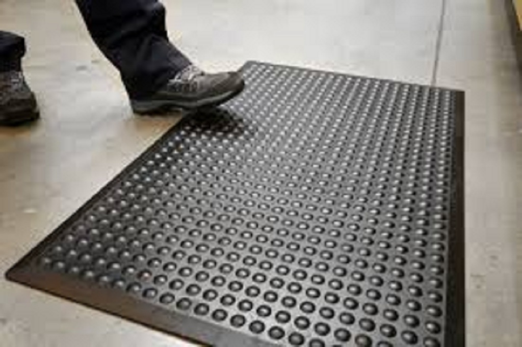Tips to Easily Maintain Anti-Fatigue Mats in the Office
